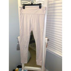 Light pink leggings 👖
